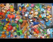 www.aukcije.hr - Sve za djecu: Igračke - Figurice puna kutija više od sto