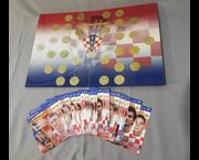 www.aukcije.hr - Kolekcionarstvo: Hrvatsko nogometno blago album s kovanicama + kartoline